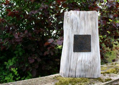 Hommage an K.M. | Holz, Filz, Acryl | 48 x 31 x 10 cm