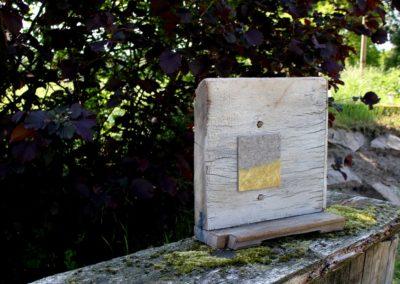 Schlossgeschichten 12 | Holz, Filz, Schrauben, Acryl | 43 x 43 x 6 cm